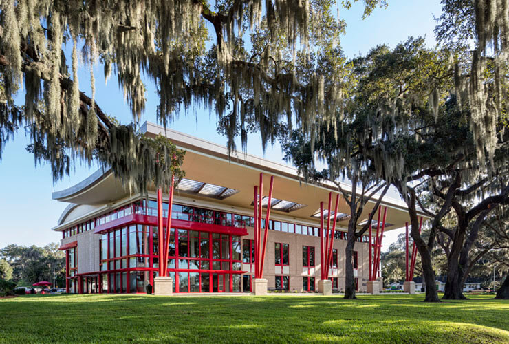 Florida Southern College Dedicates the Becker Business School Building
